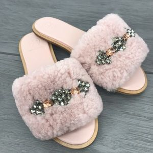 New Tory Burch fluffy sheep fur pink sandals with bling size6.5